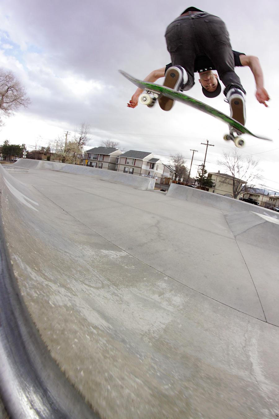 Ian Madan skateboarding reno skatenv kyle volland