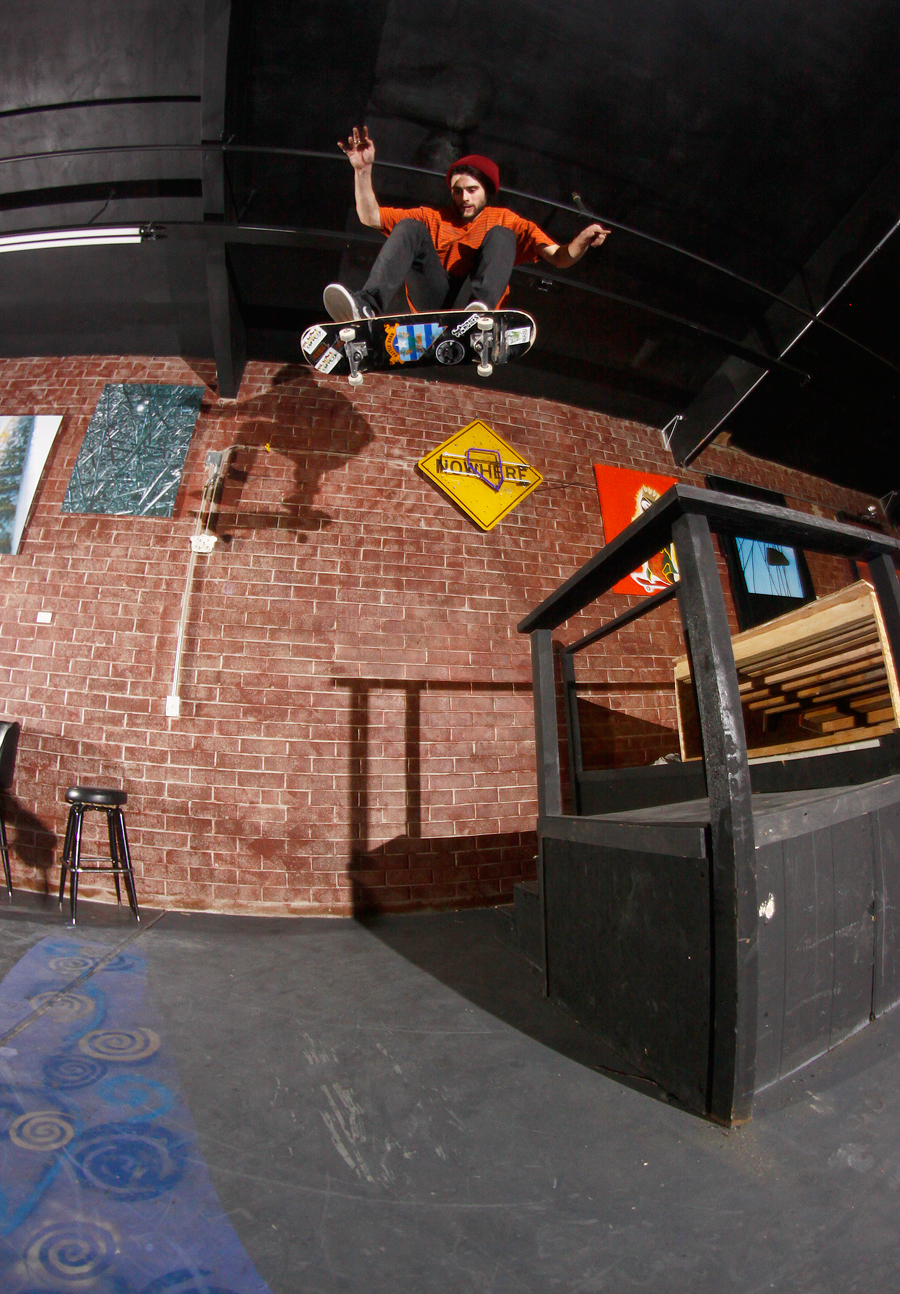 Trevor Bird Kickflip inside Jub Jub's photo Volland