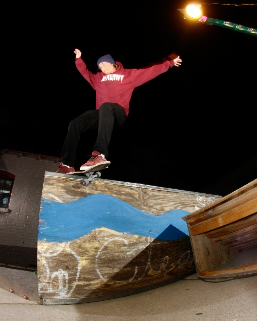 Feeble grind outside the Canvas Gallery Reno photo Volland
