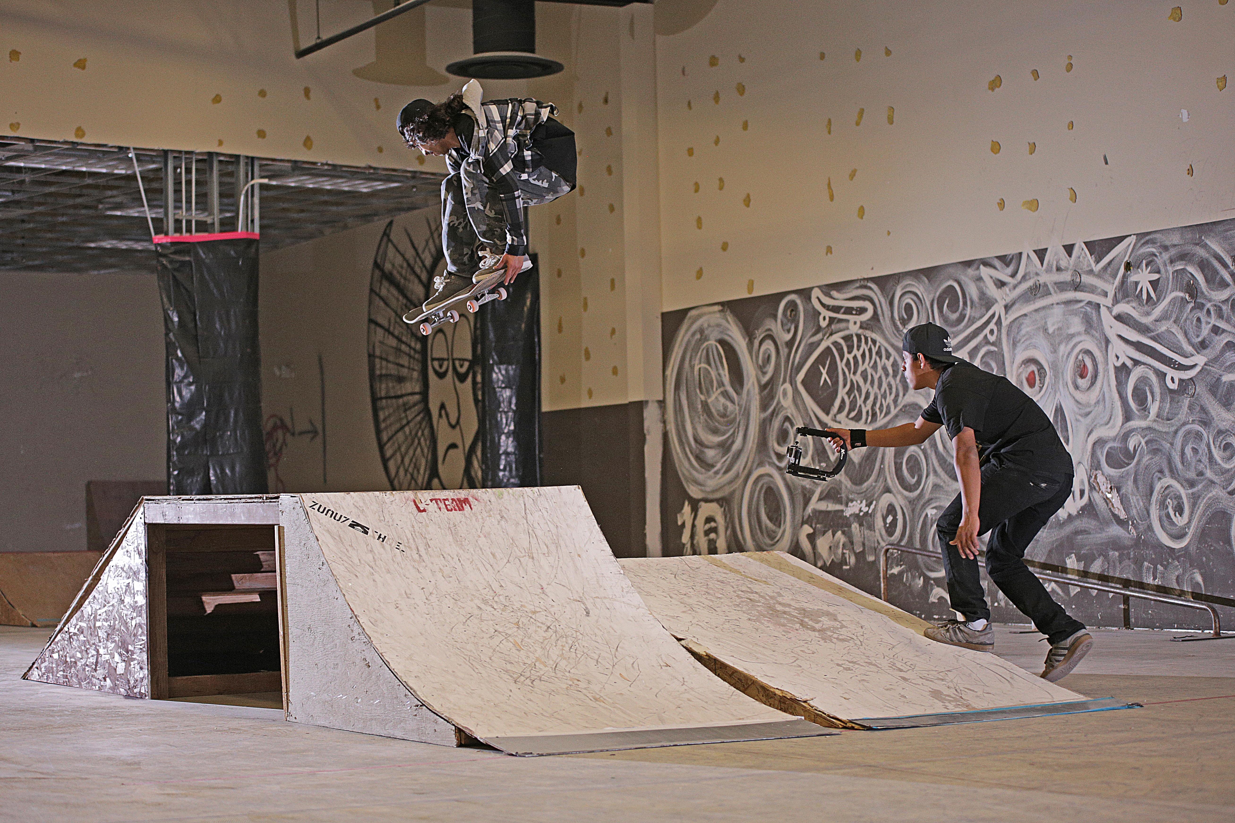 George Vargas tail grap transfer at Skate Church photo Volland